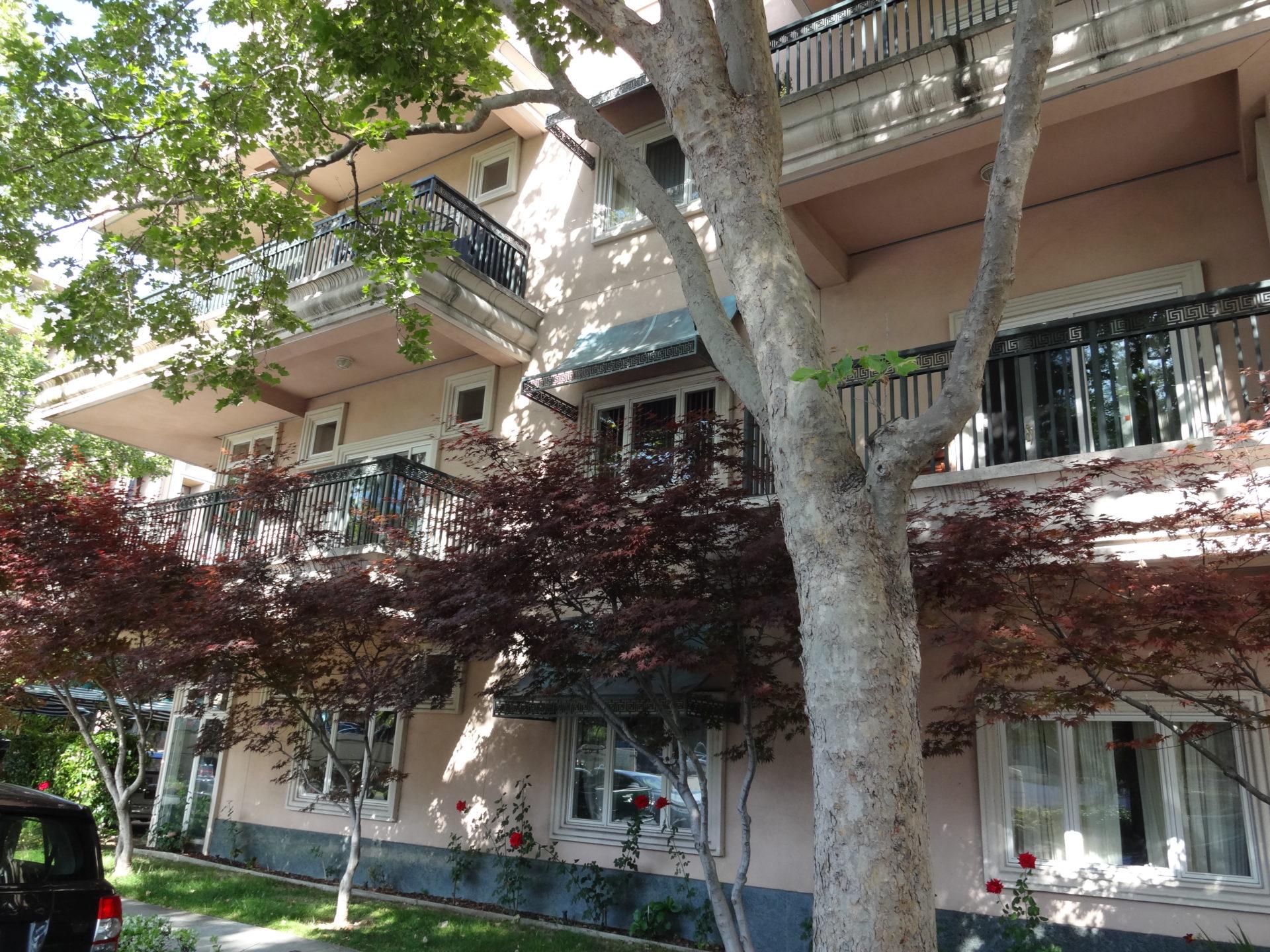 Sheridan Plaza Apartment